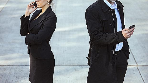 7 признака, че партньорът ви се е отдалечил от вас