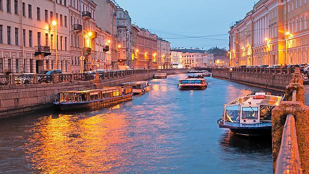 ПРЕДИ И СЕГА: Романтиката на Санкт Петербург