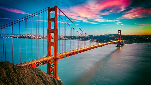 """Различните сватбени дестинации: Велосипедна разходка по моста """"Голдън Гейт"""""""