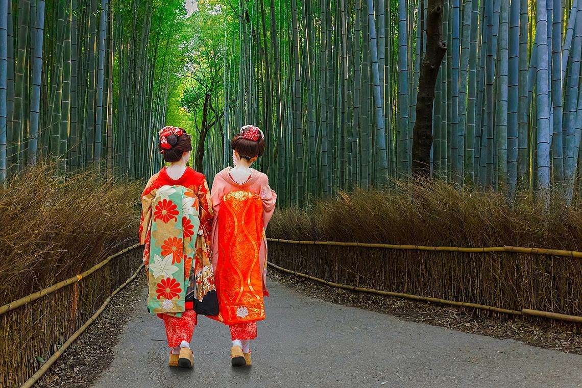 Бамбуковата гора Сагано се намира само на 30 минути път с влак от Киото.