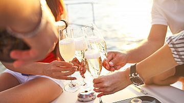 4 причини, поради които трябва да пиете шампанско вместо други алкохолни напитки