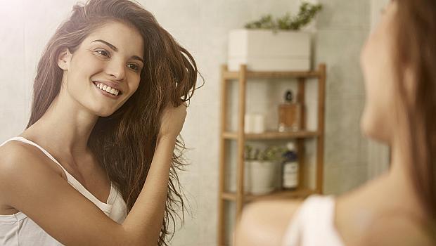 9 продукта за суха коса, с които временно да замените фризьора