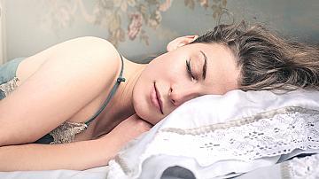 7 средства, които ще ви помогнат да заспите бързо