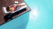 Бикини vs. цял бански – противоположните образи на лятото