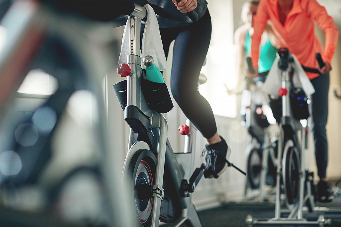 16:30 – ТРЕНАЖОР / Ако редовно се качвате на велосипеда по това време на деня ше отслабнете 2 пъти по-бързо и ще изгорите повече калории. Именно в 16:30 тялото е с най-висока температура и мускулите са най-податливи и гъвкави.