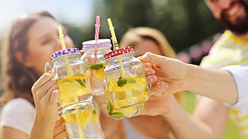Най-освежаващите летни лимонади без захар, които може да приготвим лесно и сами