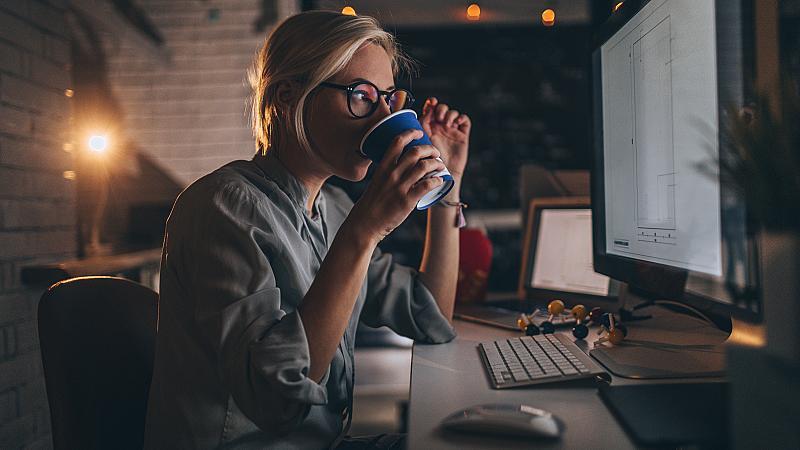 3 умни неща, които по-добре да избягвате на работа