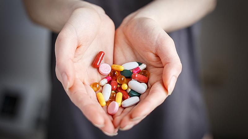 С храна или на гладно: кога да приемате витамини, за да действат