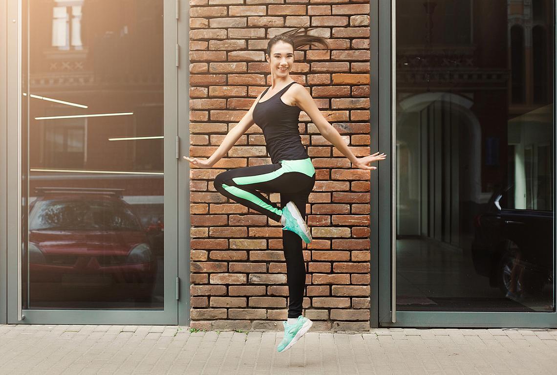 20:00 – ТАНЦИ  По това време е най-ефективен този тип натоварване за мускулите, тъй като след 20:00 ч динамичните движения са най-подходящи.