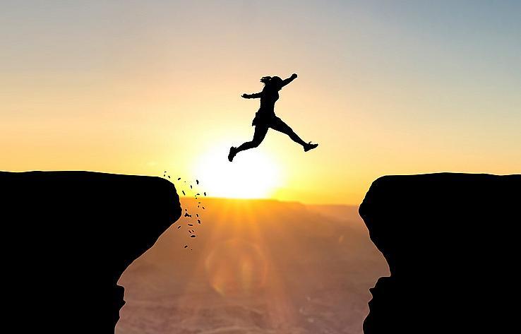 ЛЪВ: За вас щастието е в себедоказването. Истински щастливи сте, когато убедите всички, че наистина сте номер едно. От какво се нуждаете: от ситуации на изпитания, които да преминете успешно и да задоволите егото си. Какво ви пречи: нямате страх от провала, но сте зависими от мнението на другите, а то не винаги е като вашето. Не може да промените целия свят и затова е добре в някои моменти да дадете почивка на амбициите си.