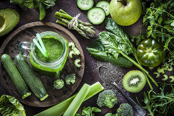 Зеленчуци – зеле, броколи или спанак – колкото по-тъмни са те, толкова повече са полезните хранителни вещества. Ензимите в зеленчуците ще ви помогнат да отслабнете и да се чувствате добре, а минералите – да възстановите организма си.