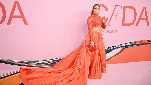 """Джей Ло грабна приза """"Модна икона"""". Кои са другите отличени на CFDA Fashion Awards 2019?"""
