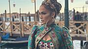 Истинска кралица: фантастичният образ на Дженифър Лопес във Венеция