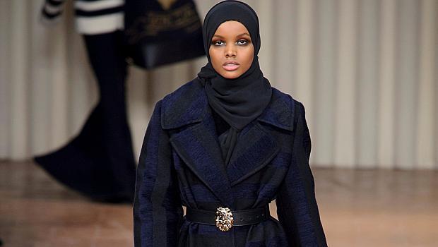 С хиджаб на модния подиум