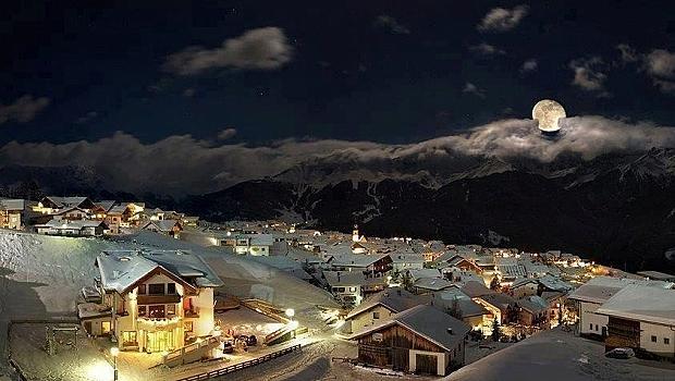 Очарователни зимни градове по света