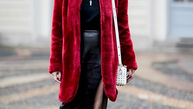 Палтата от кожа с косъм извън модните подиуми