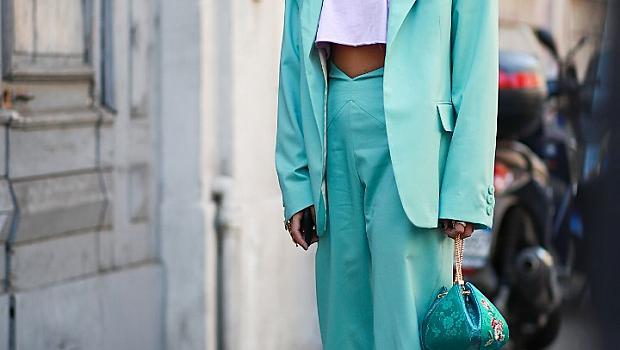 Цветният панталон в градски условия