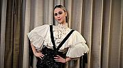 """Мария Бакалова """"репетира"""" за червения килим в смел тоалет с тиранти"""