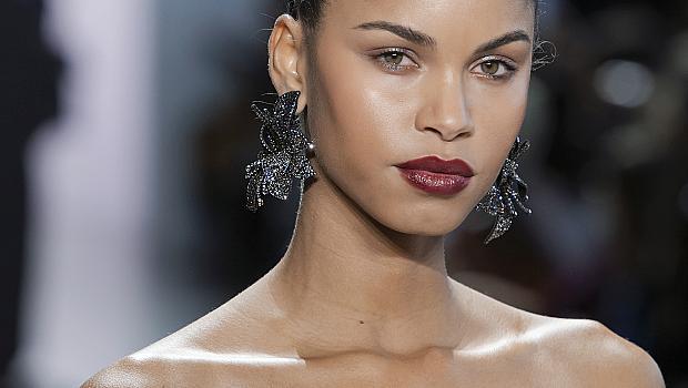 Избираме бижута с блестящи камъни за новогодишната нощ: 20 луксозни модела