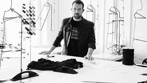 Ники Божилов издава тайните на модата