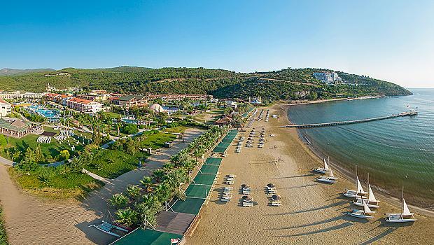 Приключение на брега на Егейско море