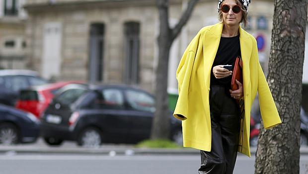 Как да носите обемно палто и да изглеждате стройни?