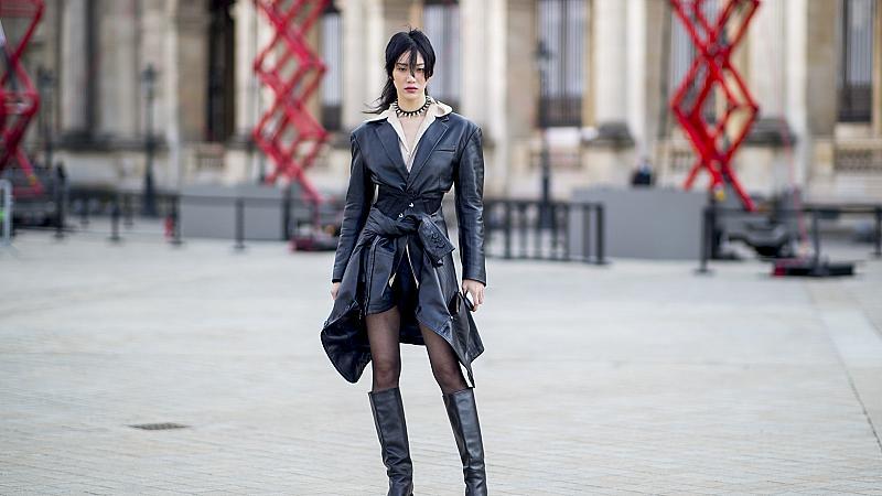 Street style с палто и ботуши: 13 аутфита, които ще ви стоплят
