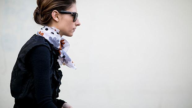 Street style с копринен шал