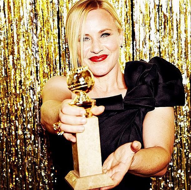 """Патриша Аркет с награда за поддържаща роля в """"Юношество""""."""
