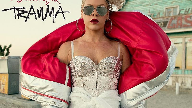 Pink с премиера на Beautiful Trauma