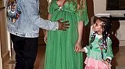 """Бременната Бийонсе на премиерата на """"Красавицата и Звяра"""""""