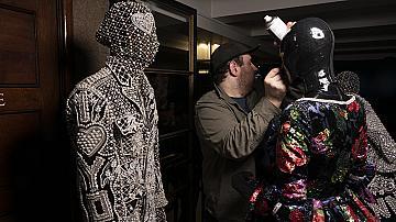 С какво Richard Quinn покри лицата на моделите в Лондон?
