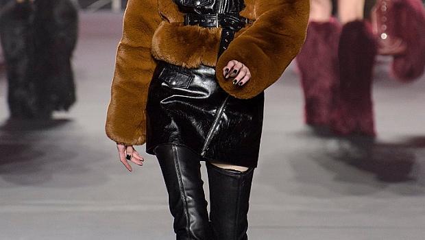 Стайлинг с високи ботуши от модния подиум