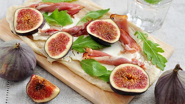 Пица с прошуто и смокини