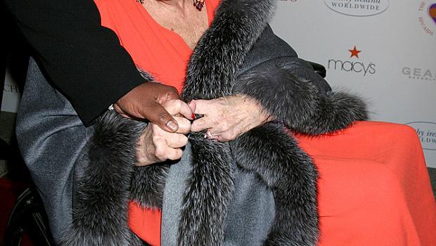 Днес Елизабет Тейлър щеше да навърши 83 години
