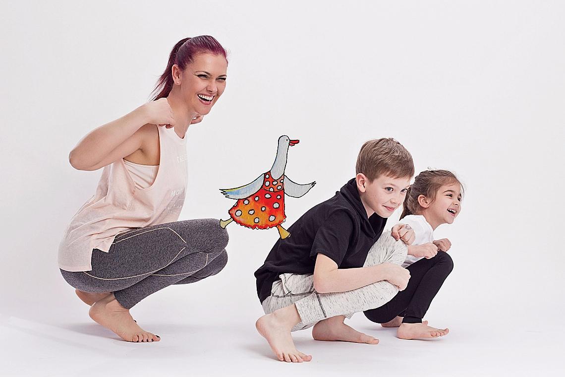 Светла Иванова с двете си деца.