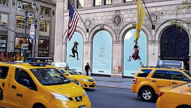 Илиана Чернакова краси билбордите в Манхатън