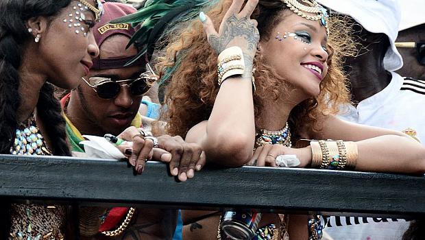 Риана и Люис Хамилтън купонясват заедно на карнавал