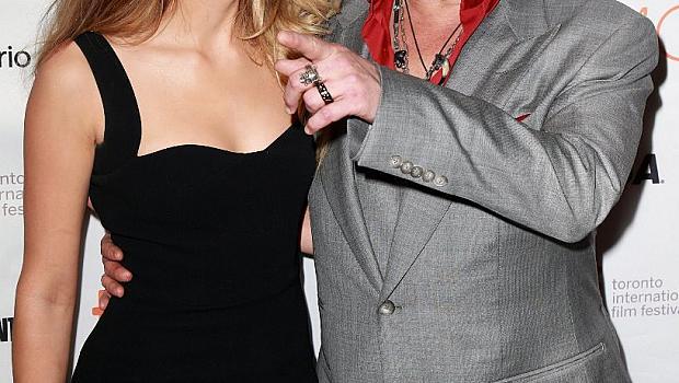 Амбър продължава да ревнува Джони Деп от бившата му