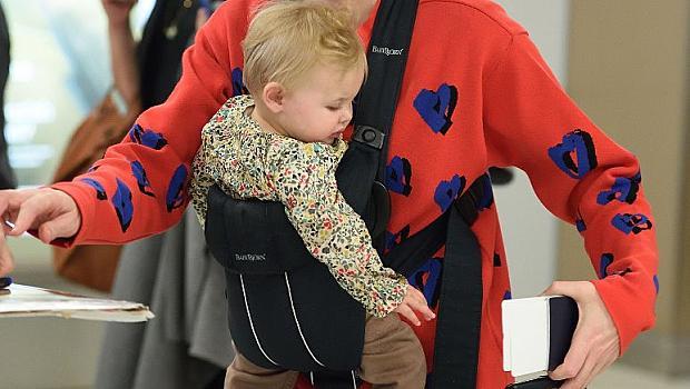 Кейт Бланшет се появи с осиновената си дъщеричка