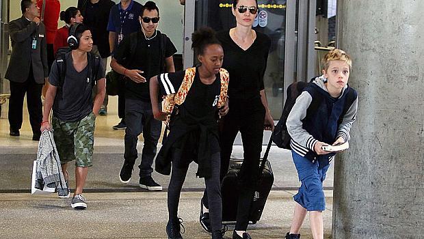 Анджелина Джоли не я тресе звездомания