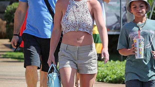 Бритни Спиърс става майка за трети път