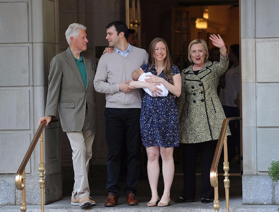 Семейство Клинтън на изписването на Челси и Ерик