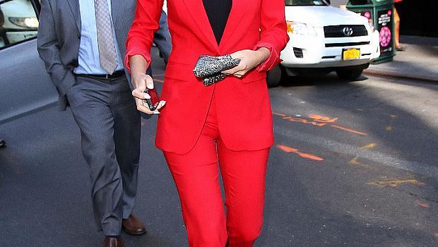 Звезди в червен костюм
