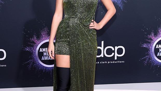 Червеният килим на American Music Awards 2019