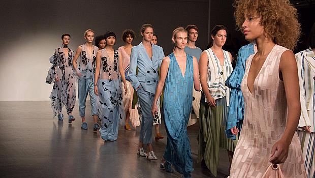 London Fashion Week - политически и хуманно заредена