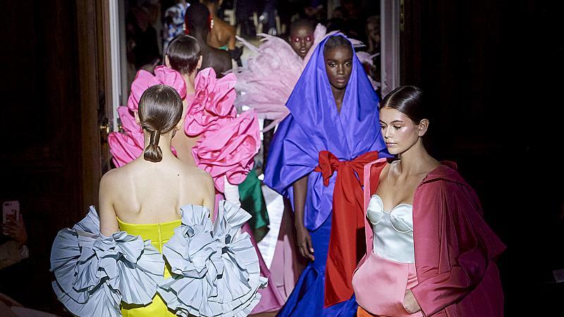 Какво е различното този път в колекцията висша мода Valentino пролет 2020?
