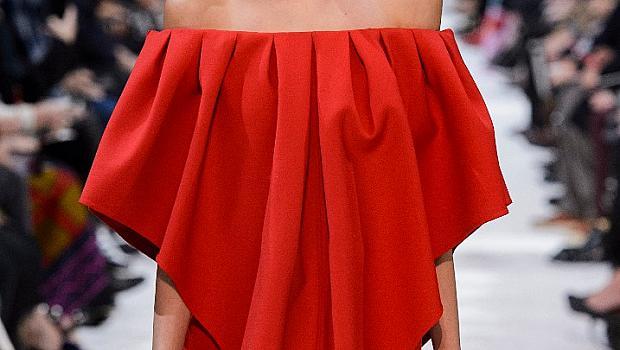 Червена рокля за Свети Валентин