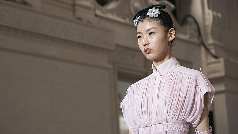 20 Барби визии от модния подиум, които ще разнообразят ежедневния стайлинг