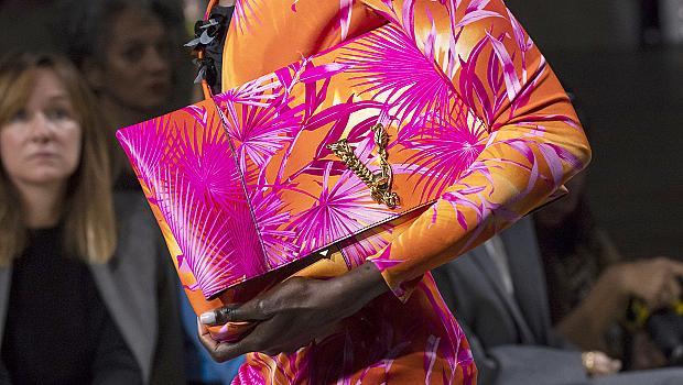 Цветните кокетни чанти, които може да носим и в края на лятото